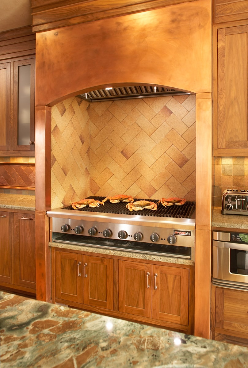 indoor grill with copper surround and firebrick