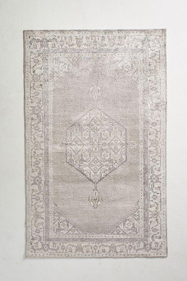 dorm-room-design-rug