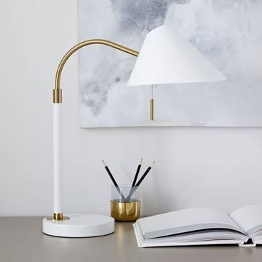 dorm-room-design-desk-lamp