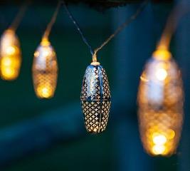 dorm-room-design-string-lights